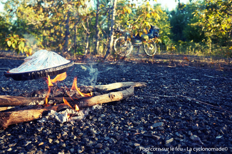Pop-corn au feu de bois