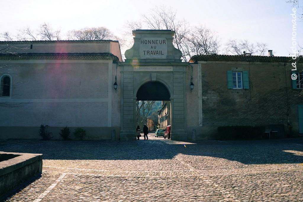 La manufacture royale de Villeneuvette, l'Hérault à vélo - La cyclonomade