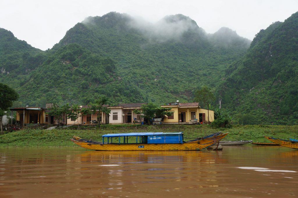 Phong Nah Ké Bang - viet nam - moto