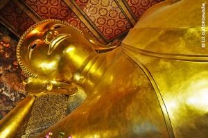 BANGKOK - Le bouddha couché