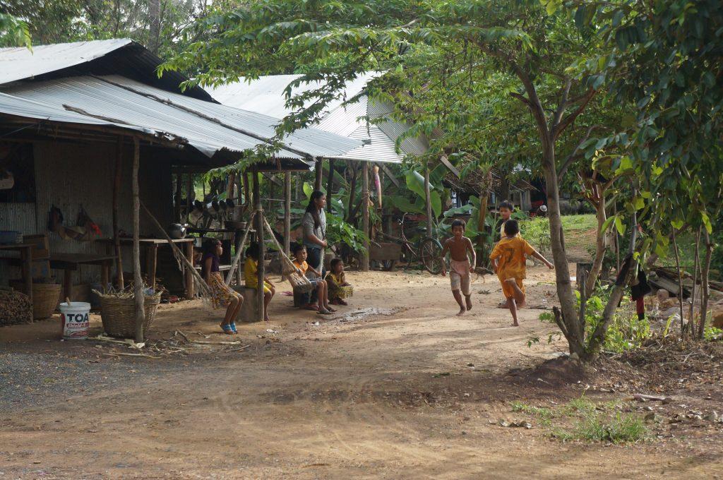 cambodge - scene de vie - enfants - kampot