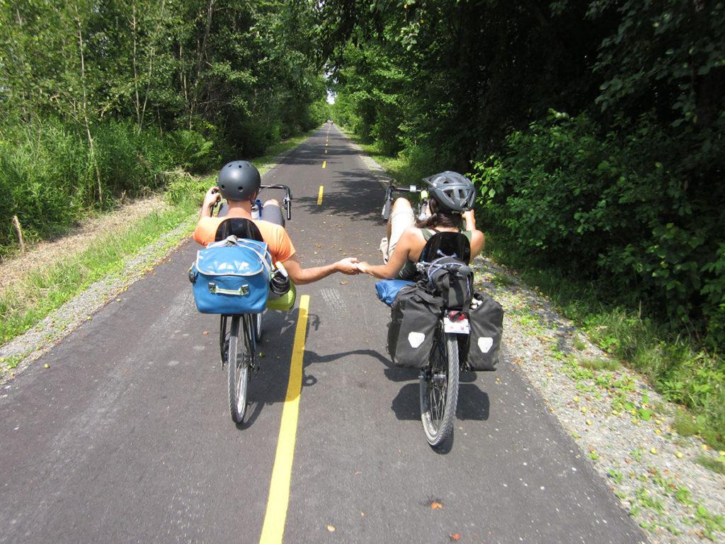 cyclistes - cyclotouristes - voyager en couple - blog cyclotourisme - blogue cyclotourisme - blog voyage vélo - blogue voyage vélo - plateforme cyclotourisme