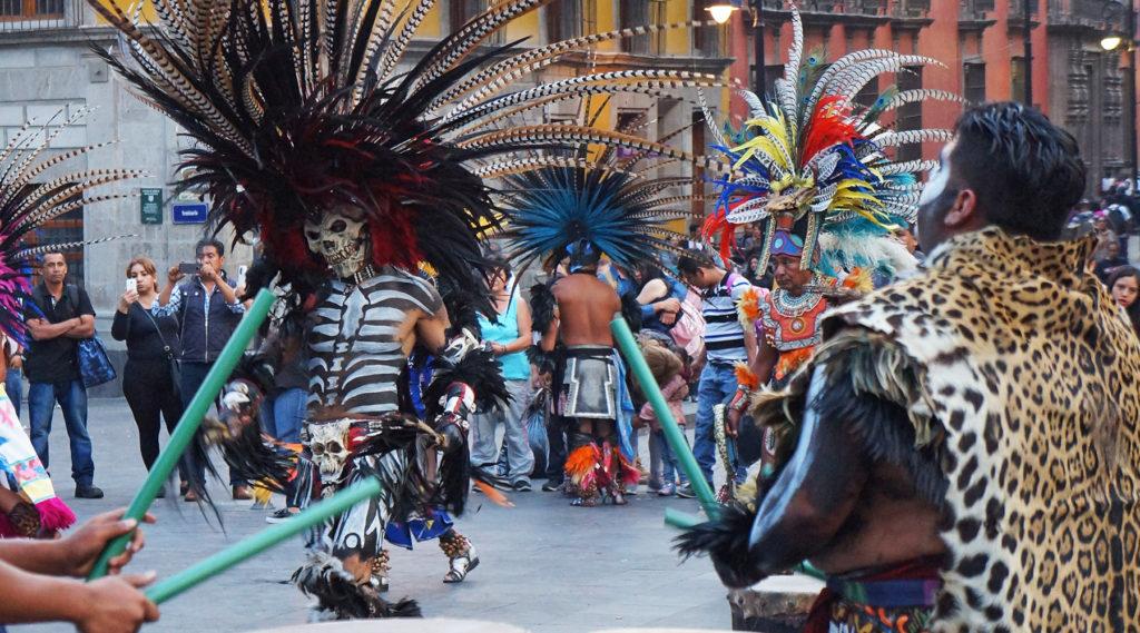 mexico - mexico city - ville de mexico - danseurs - cyclotourisme - la cyclonomade - véloroute des monarques - voyage à vélo