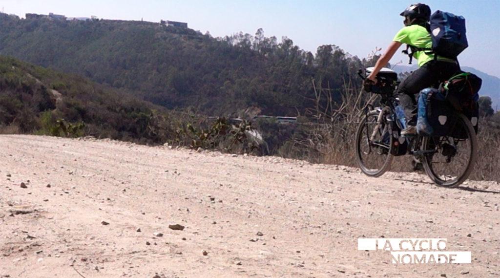 sacoches vélo - systeme de portage ortlieb - accessoires cyclotourisme - voyage à vélo - cyclotourisme - La Cyclonomade