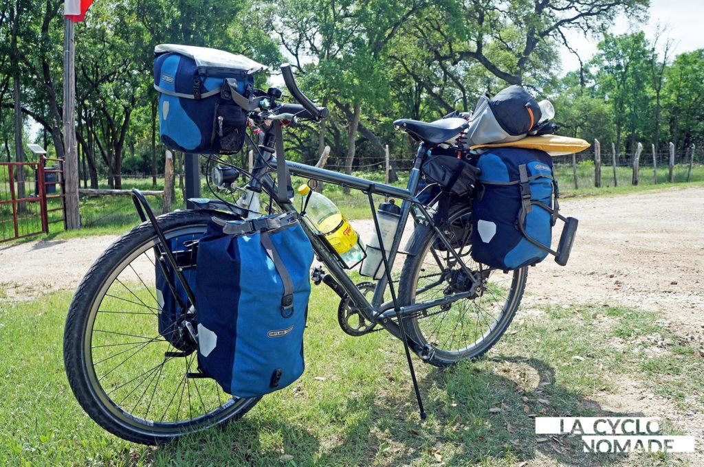 click stand - béquille cyclotourisme - cyclotourisme - voyage vélo - la cyclonomade - accessoires cyclotourisme